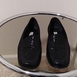USED Vintage Anne Klein Black Leather Flat Loafers